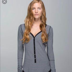 Lululemon Awesome henley shirt size 6